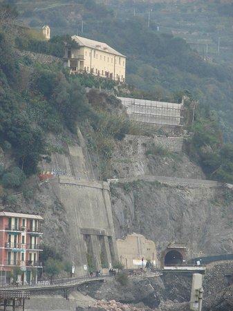 Church of San Francesco - Capuchin Friars Monastery : vue des dégâts...