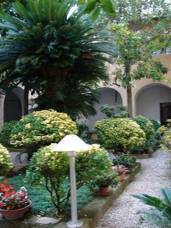 Church of San Francesco - Capuchin Friars Monastery : le cloître