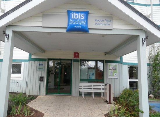 Ibis Budget Rouen Nord Isneauville : auvent d'entrée