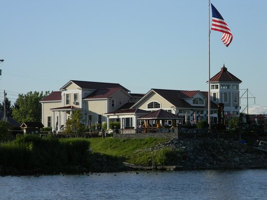 The Waters Edge Lighthouse: The Lighthouse Restaurant - view from the Mohawk River