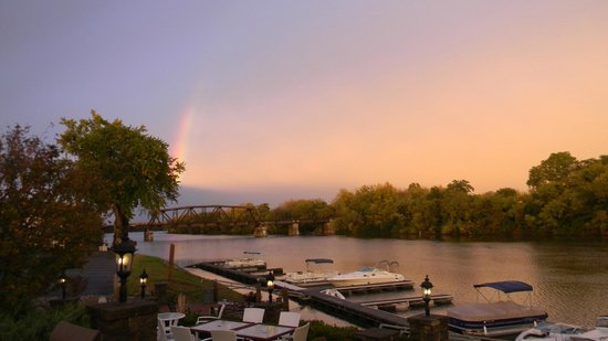 The Waters Edge Lighthouse: Autumn rainbow over the Mohawk River