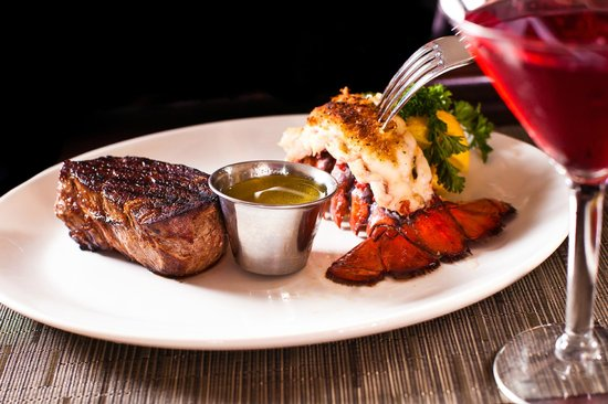 The Waters Edge Lighthouse: Lighthouse Surf N Turf