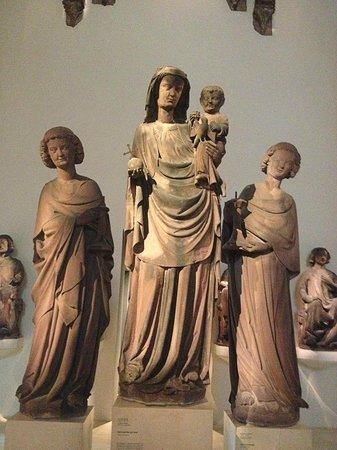 Augustinermuseum: Экспонаты музея Августинер