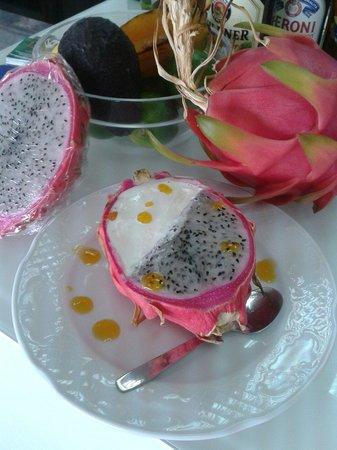 Gula ice cream parlour: Pitanaya bowl with passion fruit and milk ice cream.