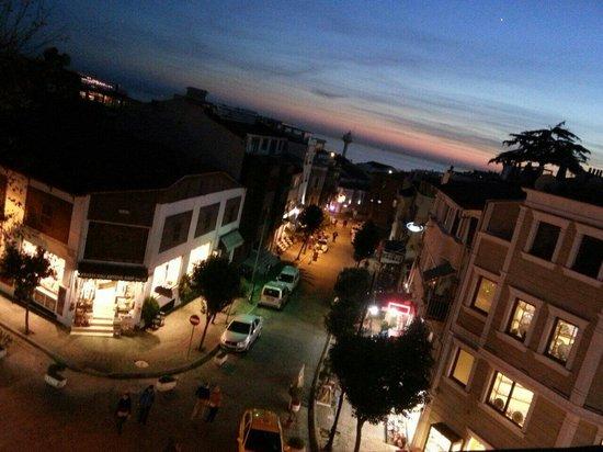 Hippodrome Apartment: Il panorama dal balcone.