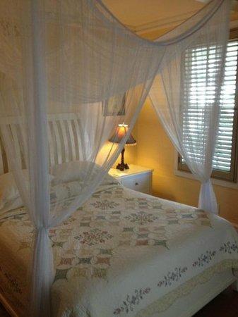 Duval Gardens: Bedroom