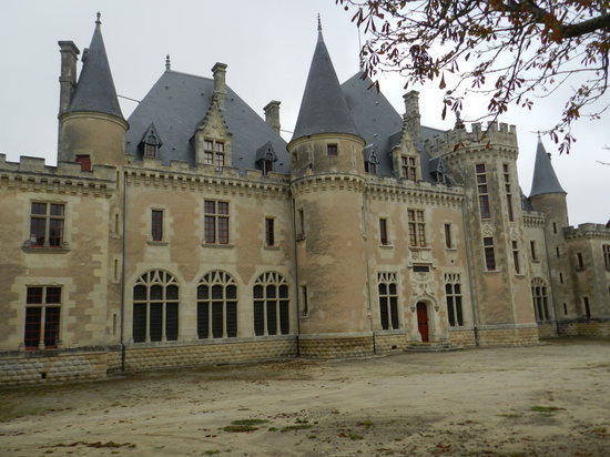Le Grand Chemin de la Vie : Beautiful Chateau