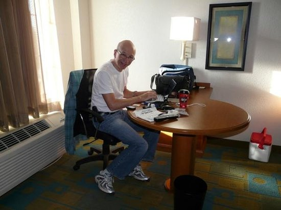 La Quinta Inn & Suites Greenville Haywood: At the Desk