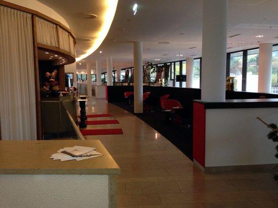 Seepark Hotel: Hall entrée