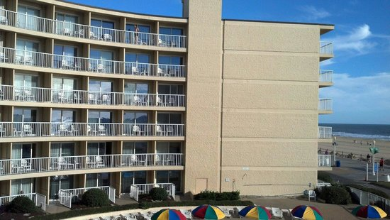 Quality Inn & Suites Oceanfront: View across the way