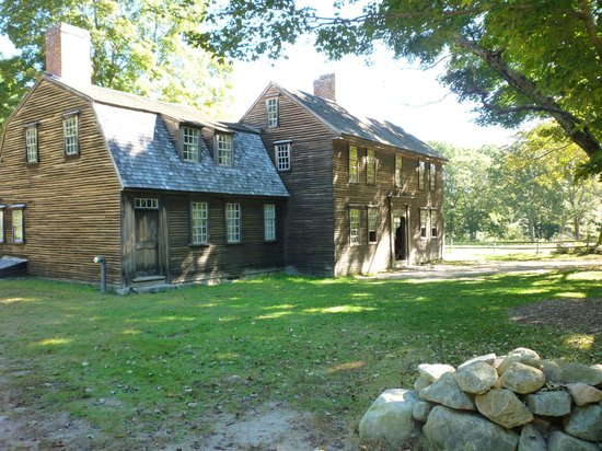 Minute Man National Historical Park: Hartwell Tavern along the road