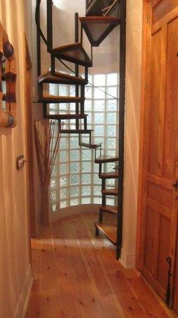Apartamentos Santa Barbara 12: escaleras de caracol