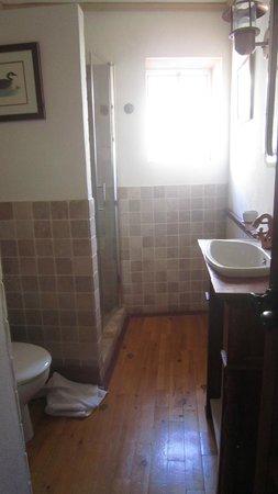 Apartamentos Santa Barbara 12: Baño (parte superior)