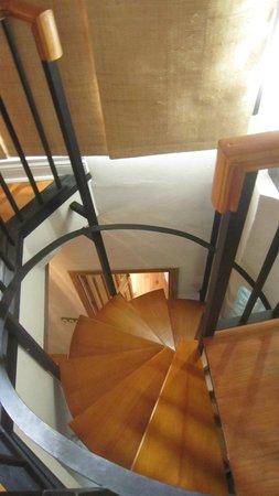 Apartamentos Santa Barbara 12 : escaleras de caracol