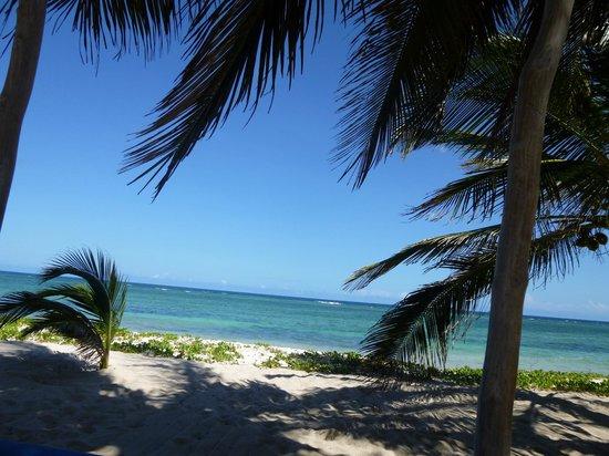 The Maji Beach Boutique Hotel: Aussicht auf den Strand