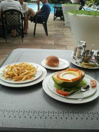 Hotel Club du Lac Tanganyika : Food