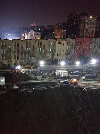 Rixos Taksim Istanbul: Construction works in the night.