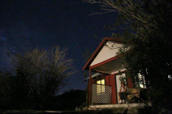 Panamint Springs Resort: Пить пиво и смотреть на звезды ))