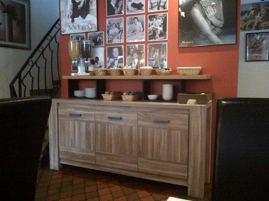 Hotel Hermes Bourgogne Dijon : pdj buffet