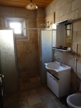 Cappadocia Stone Palace: Bathroom