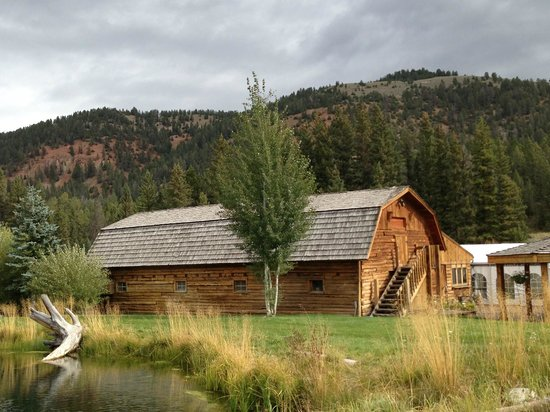 Rainbow Ranch Lodge : Favorite pond