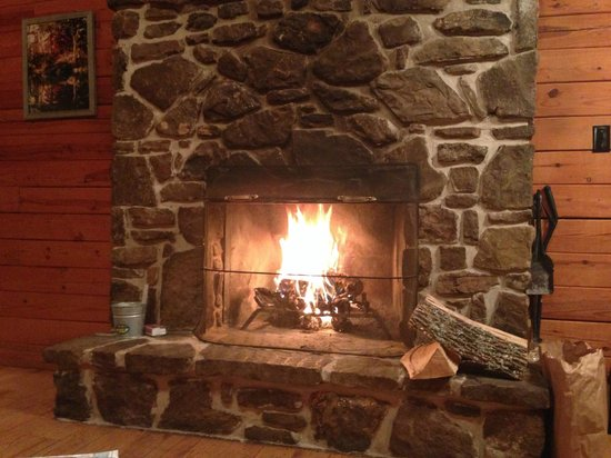 Ozark Mountain Cabins : fireplace