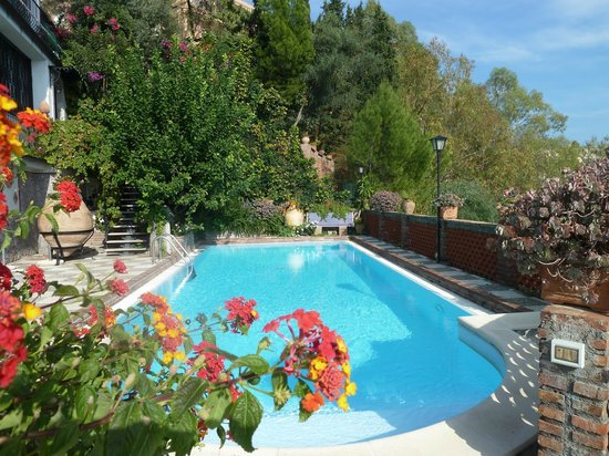 Villa Costanza Bellavista: Beautiful, clean pool