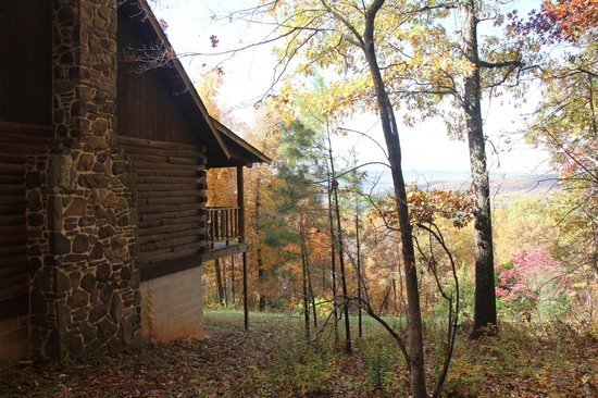 Ozark Mountain Cabins : right side of cabin looking toward the valley & Buffalo River