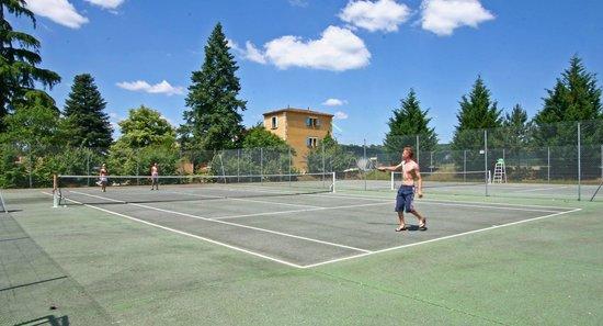 Le Domaine De Guillalmes : tennis
