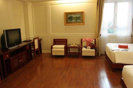 Ninh Binh Legend Hotel: Habitación muy espaciosa