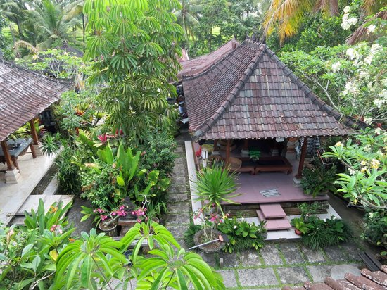 Nirwa Ubud Homestay : view of the coumpound