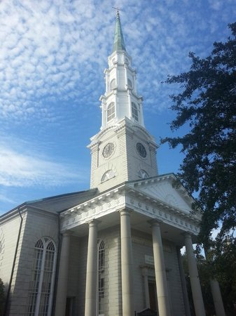 """Savannah Historic District: Historic Independent Presbyterian Church from where the feather fell at end of """"Forrest Gump."""""""