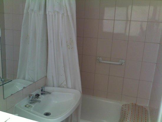 Hotel Rondo : Bathroom