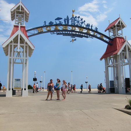 Madison Beach Motel: The Boardwalk