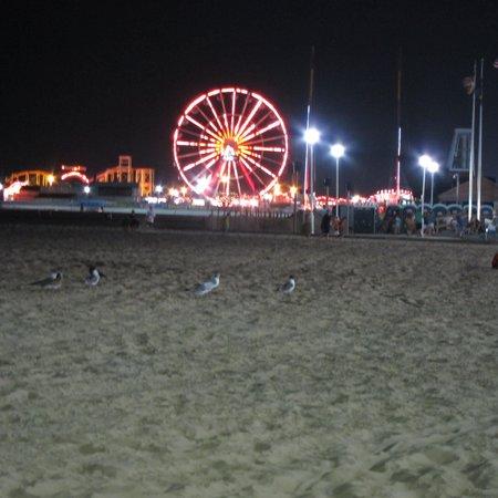Madison Beach Motel: The Ferris Wheel