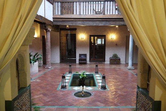 Hotel Casa Morisca: The interior of the hotel