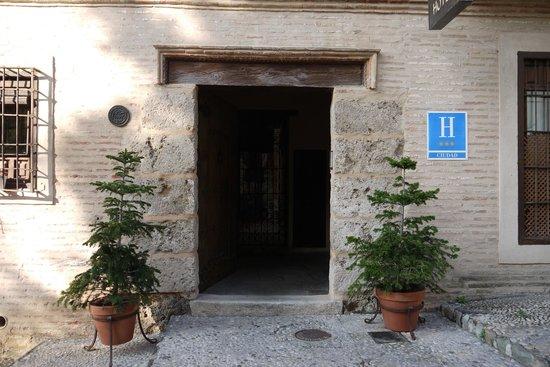 Hotel Casa Morisca: Front door