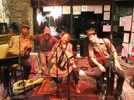 The Phoenix and the Fox : The Resonant Rogues! Performing on our Live Radio Show!