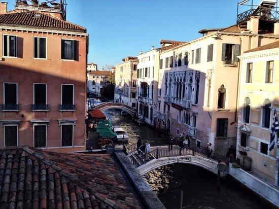 B&B Venice Hazel : The view from the dorm room window.