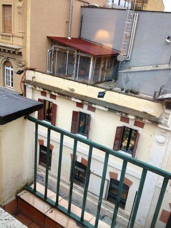 Kent Hotel Rome: Vista dalla stanza 37