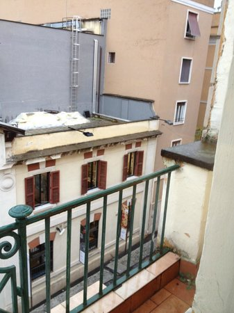 Kent Hotel Rome: Vista della 37