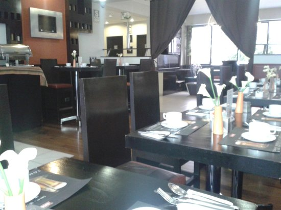 qp Hotels Lima: Restaurante e bar
