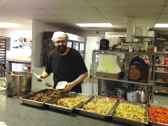 Grateful Diner: Chef Sam Luna assembles Beef Bourguignon-to-go