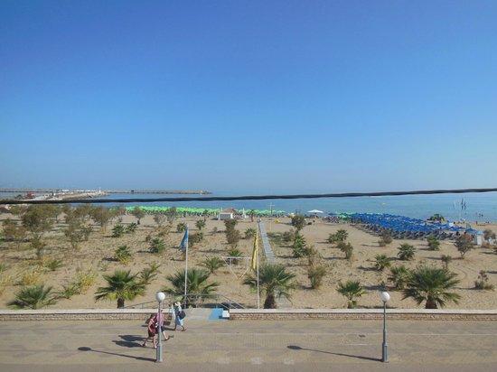 Sea-View Apartments: Il mare dal balconcino