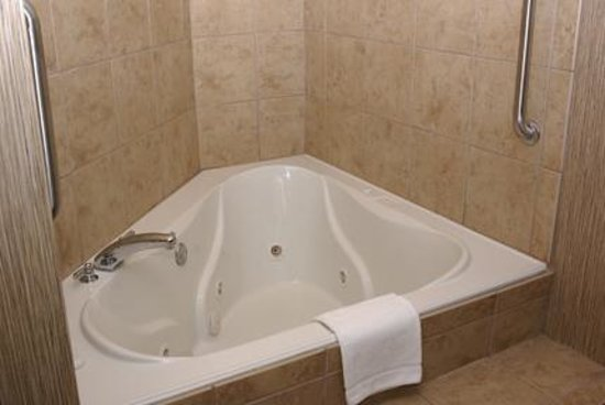 Hampton Inn Champaign/Urbana: Hot tub
