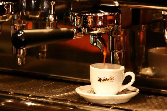 Freinsheim, เยอรมนี: Kaffeespezialitäten von Mohrbacher im Weingockel