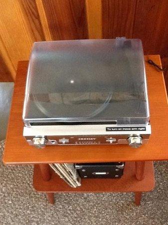 Hotel Lautner: Got Vinyl