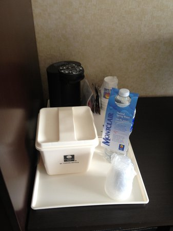 Comfort Inn: Beverage Station