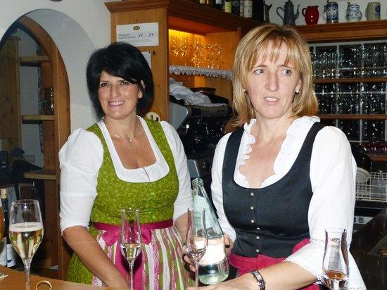 Hotel Konig Laurin : die Service- Mädel