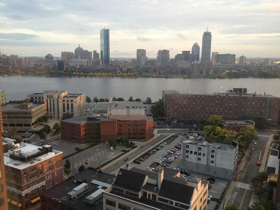 Boston Marriott Cambridge: Cloudy sky over Boston
